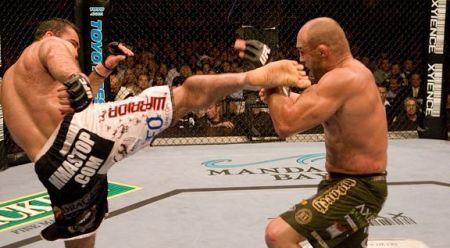 Patada MMA Randy couture