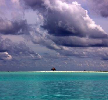Maldivian storm and Indian Ocean