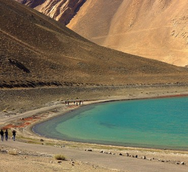 Fifty shades of Pangong Tso blue