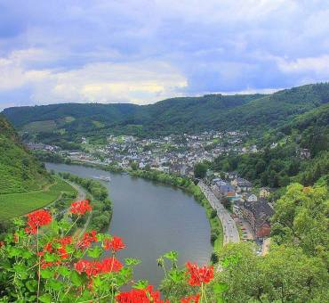 Following the Romantic wine route along the Moselle Valley