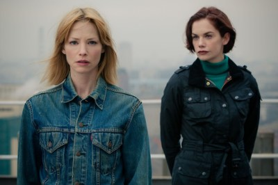 Programme Name: Luther - TX: 23/07/2013 - Episode: n/a (No. 4) - Embargoed for publication until: n/a - Picture Shows:  Mary Day (SIENNA GUILLORY), Alice Morgan (RUTH WILSON) - (C) BBC - Photographer: Robert Viglasky