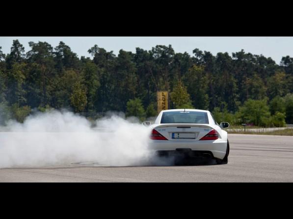2011-MKB-Mercedes-Benz-SL-65-AMG-Black-Series13-597x447.jpg