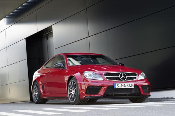 2012_C63_AMG_Coupe_Black_Se.jpg