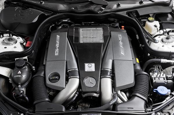 2012_E63_AMGmotor.jpg
