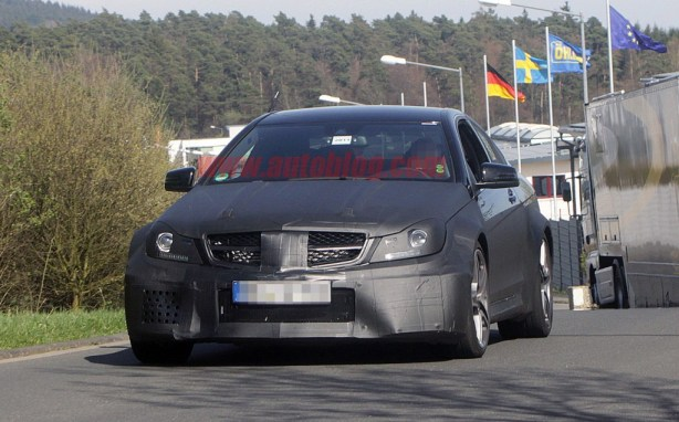 c coupe black series 1 1024x636 The C63 AMG Black Series under spy camera