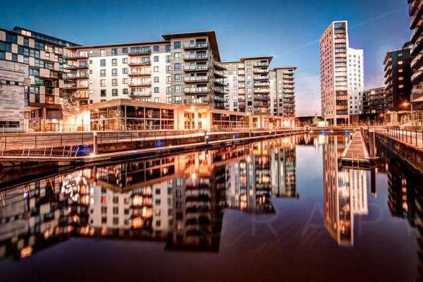 leeds-clarence-dock-evening-april-2014_0239_40_41