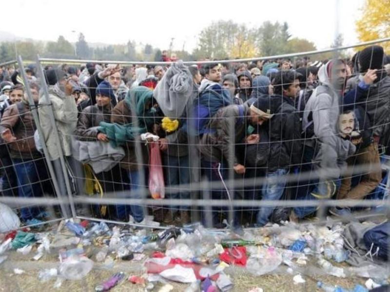http://www.ekathimerini.com/resources/2016-03/refugees_gate_web--2-thumb-large.jpg
