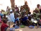 Séance de nutrition et partage de repas équilibrés aux enfants