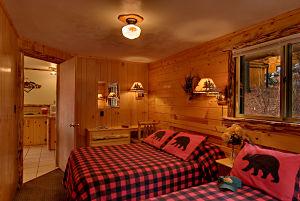 The Poplar Cabin at Meadowbrook Resort & DellsPackages.com in Wisconsin Dells