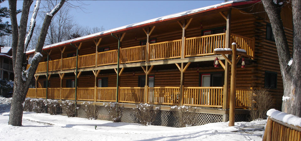 The Ponderosa in Winter at Meadowbrook Resort & DellsPackages.com in Wisconsin Dells - best for Family Reunions & Groups