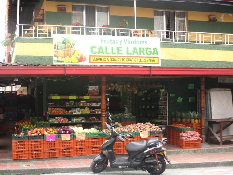 Neighborhood tienda in Sabaneta, with delivery service