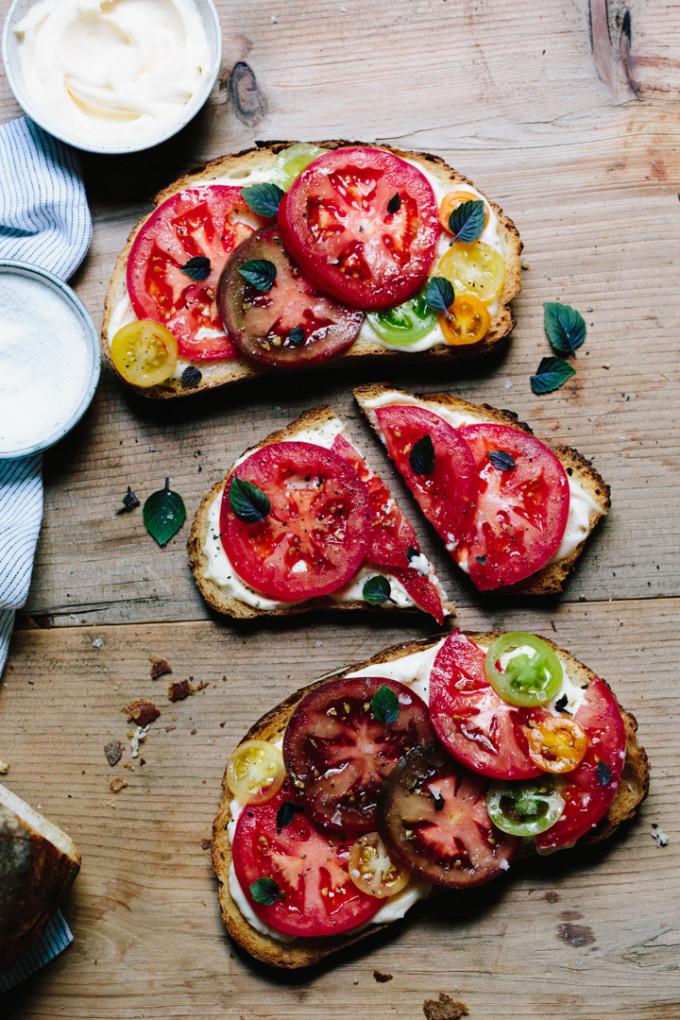 tomato-sandwich-9531-680x1020
