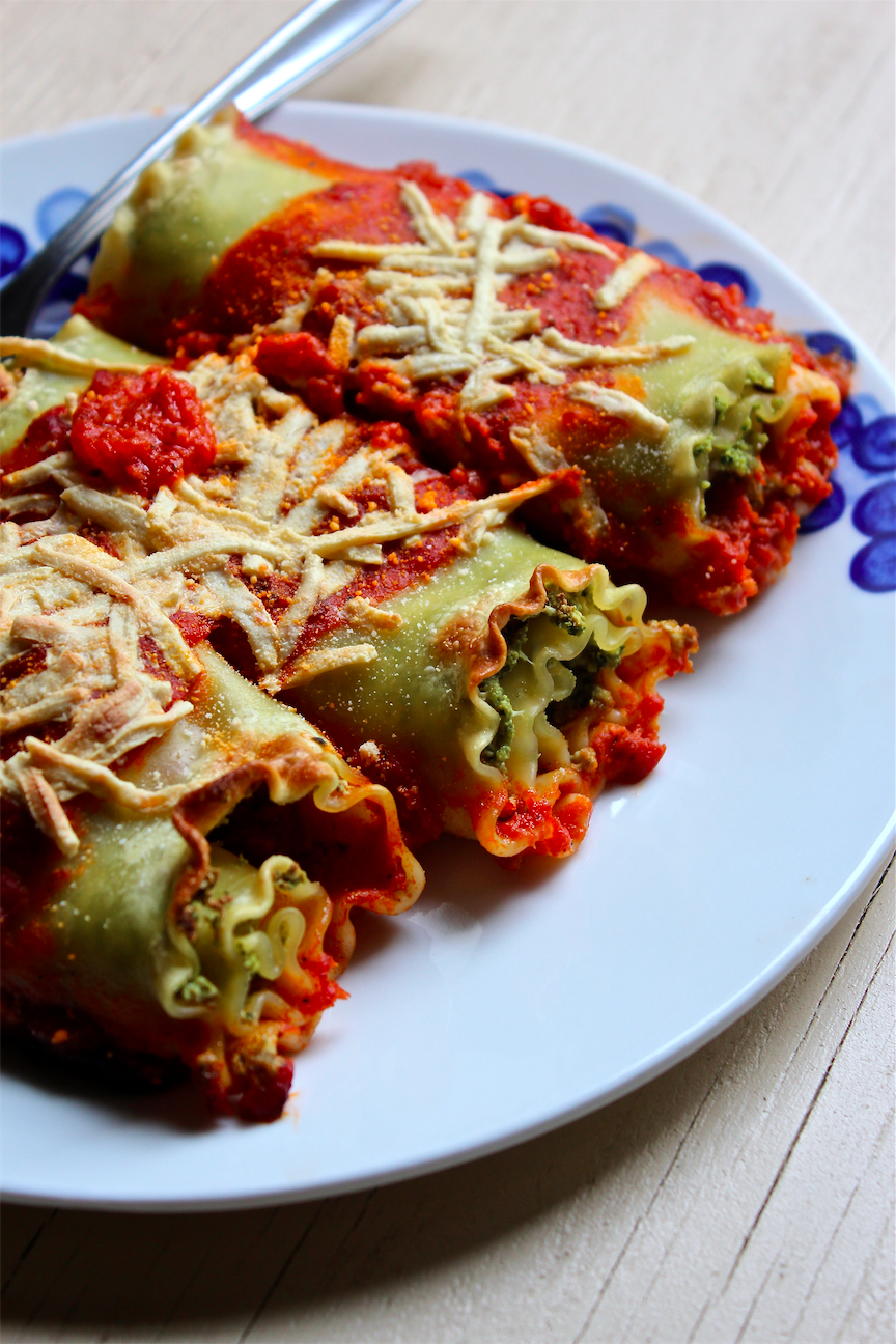 Vegan Sausage & Spinach Pesto Lasagna Rolls