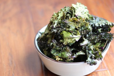 8 Kale Chip Recipes and How To Make The Best Kale Chips