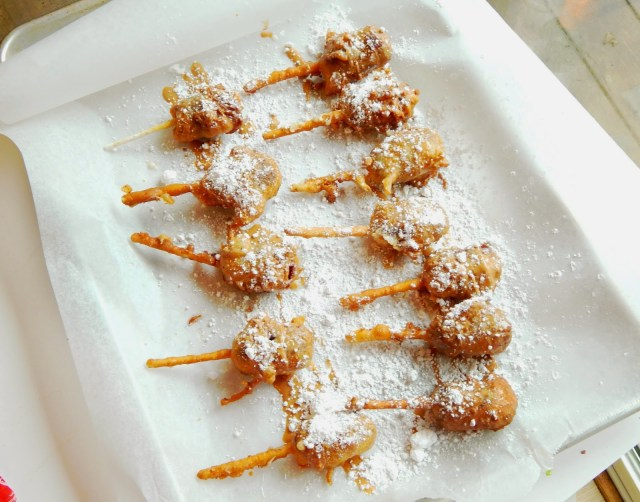 #BigGameTreats #ad #cbias Deep Fried SNICKERS Bars