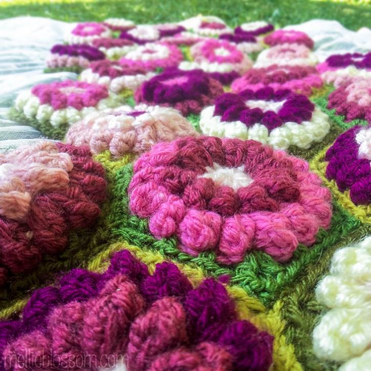Bobbly Flowers Crochet Blanket - mellieblossom.com