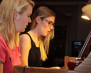 Taylor and Jess piano 2013