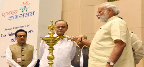 File Photo: Prime Minister Narendra Modi with Finance Minister Arun Jaitley. The government gave big relief to central employees and pensioners but the central unions have rejected it and threatened to go on strike.