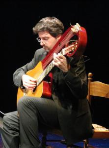 chitarra lyra  di L. Mozzani, (Cento, 1940 ca.)