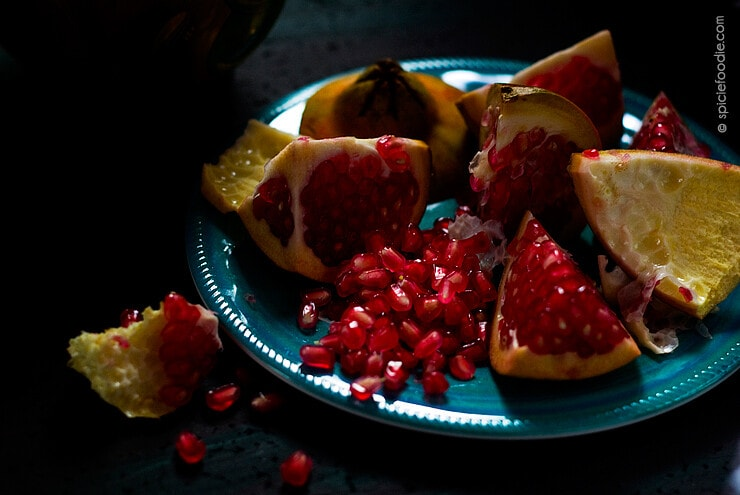 The Easiest Way to Cut Open a Pomegranate | #pomegranate #howtoseed