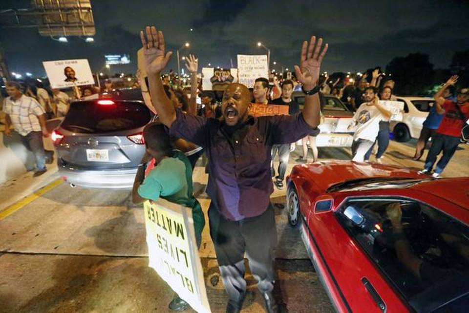 Protesters shut down I-195 in Miami on Friday, Dec. 5, 2014 in a demonstration against police brutality.