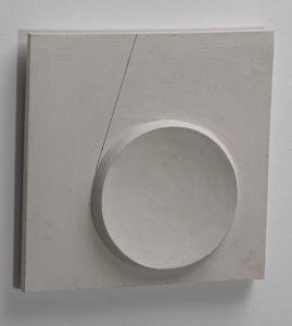 limbo II, 2012, Gips und Pigmentliner, 32 cm x 32 cm x 4 cm.
