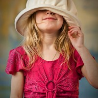 Amelias hat just would not fit for this photo session.
