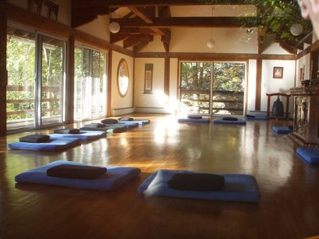 Meditation silent retreat at providence zen center for Zen meditation room