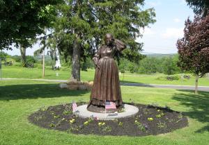 Elizabeth_Thorn_monument_Gettysburg[1]