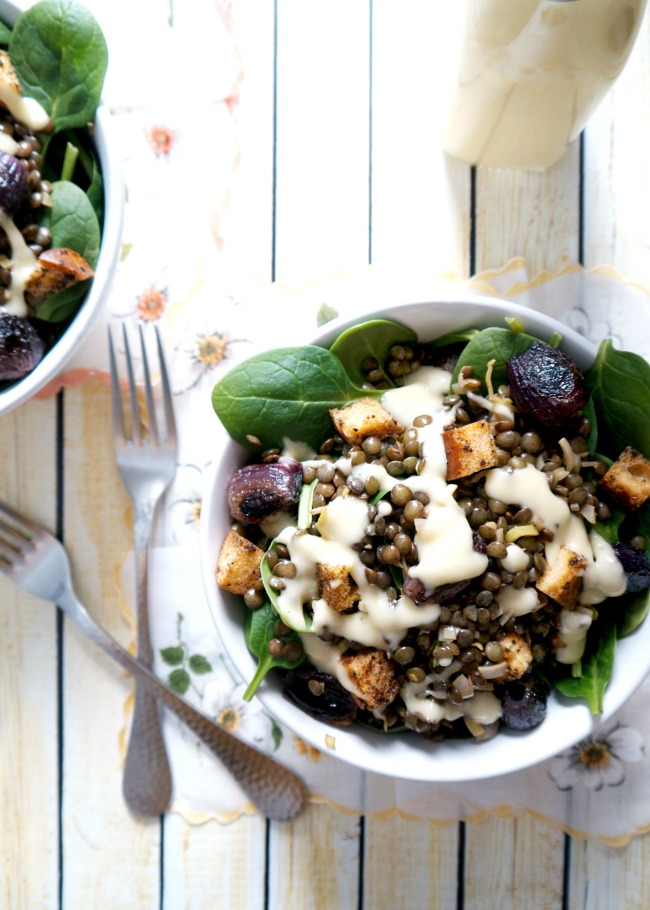 It's finally time for the Lunch Edition of #lentilfest! Kick that mid-winter mid-day slump to the curb with this brilliant lentil spinach salad.