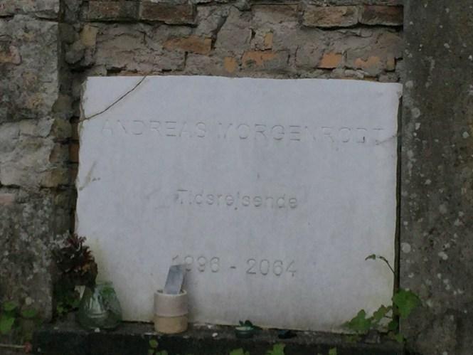 Midlife Sentence | Assistens Kirkegård in Norrebro, Cophenhagen