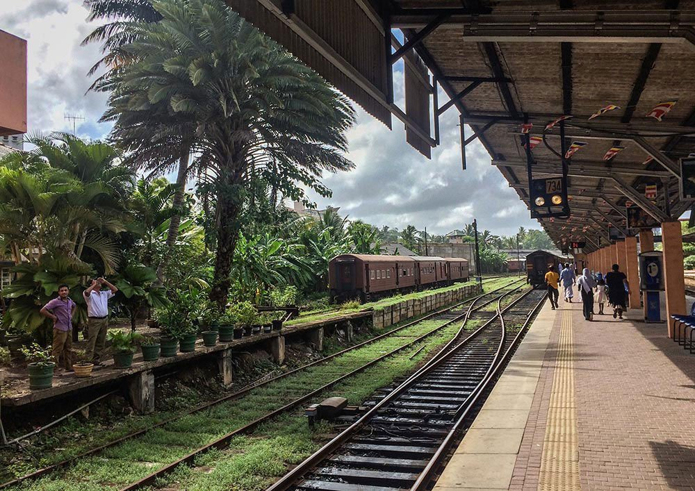 Need some good reasons and inspiration to go to Sri Lanka? Check out my favorite twenty-something Sri Lanka photos & go now!