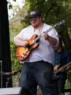 Deren Ney rockin the Folks Fest, 2015
