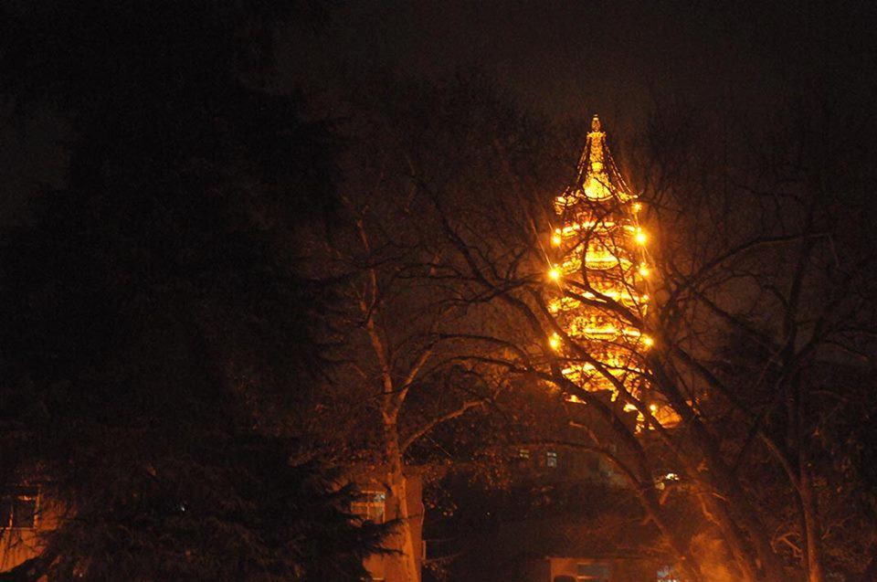 Jiming temple at night
