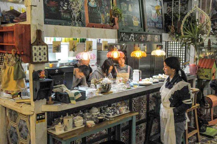 The kitchen/counter at Miss Tasha, Nanjing.