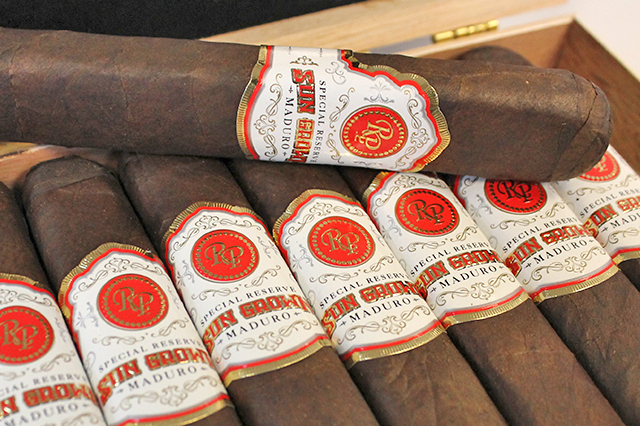 rocky-patel-sun-grown-maduro-open-box