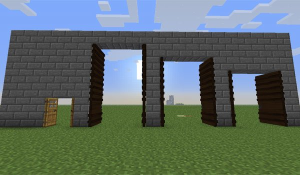 image where we see the three new sizes of door we can create in Minecraft, using the tall doors mod 1.6.2 and 1.6.4.