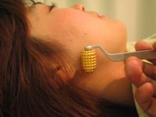 六甲道駅2分で不妊,うつ,耳鳴り解消!神戸のミントはり灸院|鍼灸-耳のローラー
