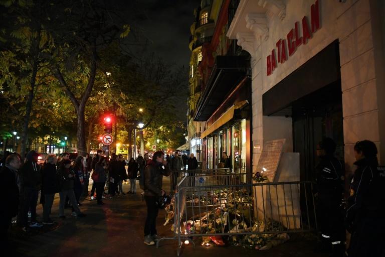 Commémoration au Bataclan le 13 novembre 2017 deux ans après les attentats