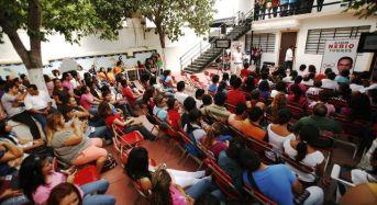 Nerio recibe el apoyo de 700 universitarios del CEUM