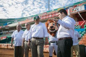 Rolando Zapata nuevo parque de los Leones de Yucatán 11 febr 2016