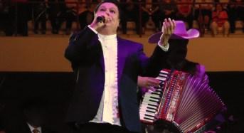 Éxito rotundo de Juan Gabriel en Coliseo Yucatán