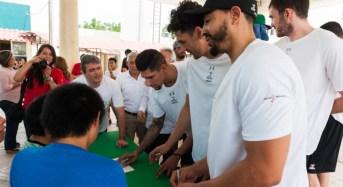 Convive Selección Mexicana de Baloncesto con niños y jóvenes del Caimede.