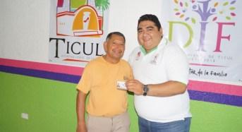 Gobierno de Yucatán apoya al DIF de Ticul para entrega tarjetas de INAPAM