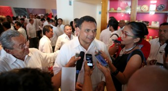 Rolando Zapata acude a Informe de Gobierno de Campeche y conoce avances y resultados