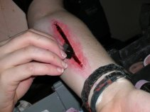 laceration, wound, razor blade, sfx makeup, special effects, tuplast