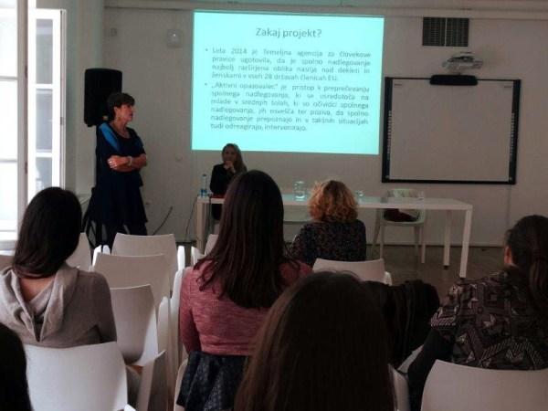 Zaključni dogodek projekta 'Spodbujanje odziva opazovalcev spolnega nadlegovanja med mladimi'.