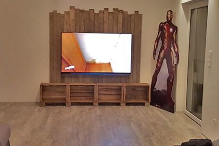 DIY Fernsehregal