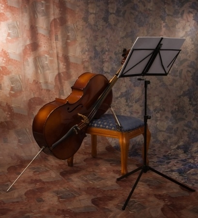 Cello, Leaning