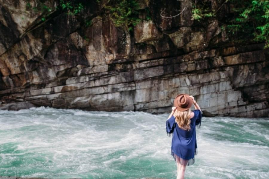 Boho vibes - styled shoot at Eagle Falls